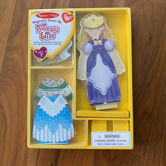 Melissa /& Doug Princess Elise Magnetic Dress-Up Set Wood